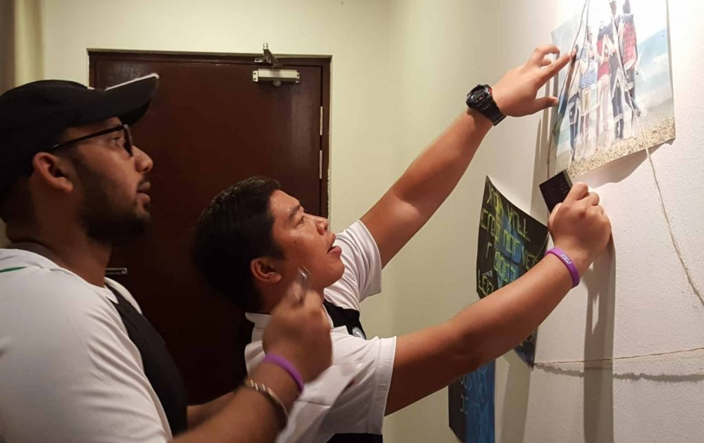 Escape room with amazing race